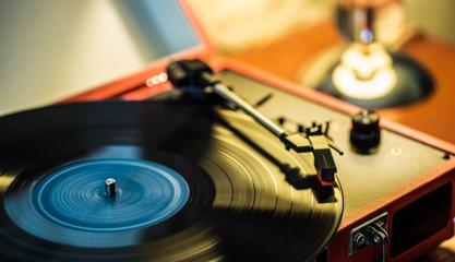 tocadiscos y radios retro